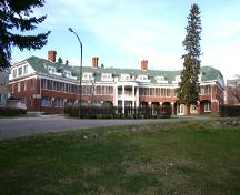 View of the south elevation of the Brandon Mental Health Centre Nurses'  Residence, Brandon, 2005; Historic Resources Branch, Manitoba Culture, Heritage and Tourism, 2005