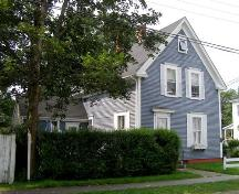 Perspective view of the facade (north) and east sides of the Capt. Ebenezer Scott House, Yarmouth, NS, 2007; Heritage Division, NS Dept. of Tourism, Culture & Heritage, 2007