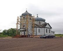 Primary elevations, from the northwest, of Holy Resurrection Russian Orthodox Church, Sifton, 2006; Historic Resources Branch, Manitoba Culture, Heritage and Tourism, 2006
