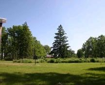 Featured are the naturalized gardens and grounds to the south of Chiefswood.; Ministry of Culture, 2007.