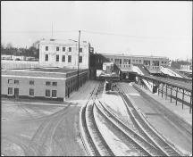 Historic view of station complex showing concourse at right and express wing at near left – c. 1930; John Boyd, 1930