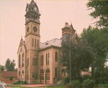 Corner view of the Victoria Hall / Petrolia Town Hall, showing the front and side elevations, 1991.; Parks Canada Agency / Agence Parcs Canada, 1991.