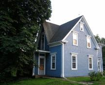Profile of cross gable, Manuels Inn, Chester Basin, Nova Scotia, 2007.; Heritage Division, Nova Scotia Department of Tourism, Culture and Heritage, 2007.