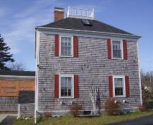 Side elevation, Phyllisa Mundell House, Barrington, NS, 2007.; Department of Tourism, Culture and Heritage, Province of Nova Scotia 2007