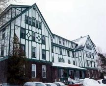 Exterior photo, main facade in winter, Glynmill Inn, Corner Brook, 2004.; HFNL 2008
