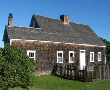 Rear Elevation, Rosebank Cottage, New Ross, Nova Scotia, 2007.; Heritage Division, Nova Scotia Department of Tourism, Culture and Heritage, 2007.