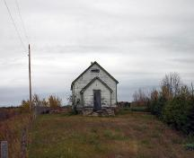 Contextual view, from the south, of Glen Elmo School, Rossburn area, 2006; Historic Resources Branch, Manitoba Culture, Heritage and Tourism, 2006