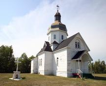 Primary elevations, from the southeast, of the Ruthenian Greek Catholic Church of the Blessed Virgin Mary, Toutes Aides area, 2006; Historic Resources Branch, Manitoba Culture, Heritage and Tourism, 2006