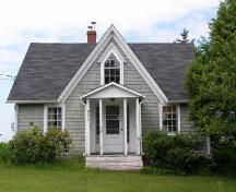 Front elevation, David Nauss House, Haddon Hill, Chester, Nova Scotia, 2007.; Heritage Division, Nova Scotia Department of Tourism, Culture and Heritage, 2007.