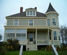 Front elevation, MacMillan-Cameron House, Strathlorne, NS, 2004.; Heritage Division, NS Dept. of Tourism, Culture and Heritage, 2004.