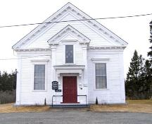 Front (west) elevation of the Central Chebogue United Baptist Church, Central Chebogue, NS, 2008.; Heritage Division, NS Dept. of Tourism, Culture and Heritage, 2008