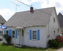 Front elevation, Corkum-Bezanson Home, Chester Basin, Nova Scotia, 2007.; Heritage Division, Nova Scotia Department of Tourism, Culture and Heritage, 2007.