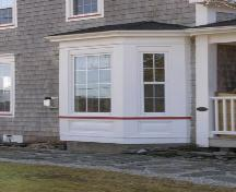 Detail of cutaway bay window on the east side of the Zaccheus Churchill House, Darling's Lake, Yarmouth County, NS, 2008.; Heritage Division, NS Dept. of Tourism, Culture and Heritage, 2008