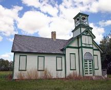Oblique view, from the southwest, of Tamarisk School, Grandview area, 2006; Historic Resources Branch, Manitoba Culture, Heritage and Tourism 2006