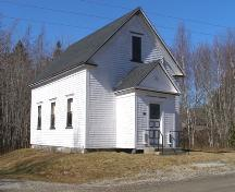 Perspective view of facade (east) and south side of the South Canaan Free Baptist Church, South Canaan, Yarmouth County, NS, 2008.; Heritage Division, NS Dept. of Tourism, Culture and Heritage, 2008