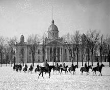 53rd Battery, Lieut. Patterson, Calvary in Front on frontenac County Courthouse - 1916; Archives of Ontatio, 1916