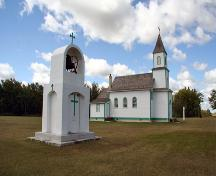 Contextual view, from the northeast, of Sts. Cyril and Methodius Roman Catholic Church, Gimli area, 2006; Historic Resources Branch, Manitoba Culture, Heritage and Tourism, 2006