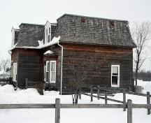 Secondary elevation, from the south, of the Pembina Highway House, Winnipeg, 2007; Historic Resources Branch, Manitoba Culture, Heritage and Tourism, 2007