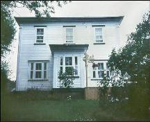 The front facade view of the Abram Richards Property, Bareneed.; Heritage Foundation of Newfoundland and Labrador, 2004