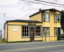 Exterior photo, main facade of Winter Home, Clarke's Beach, NL, 2004; Heritage Foundation of Newfoundland and Labrador 2004