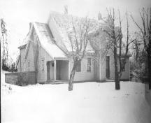 Archive image of the house in winter; Garden of the Gulf Museum Collection