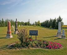 Contextual view, from the north, of Macdonald Pioneer Cemetery, Macdonald area, 2006; Historic Resources Branch, Manitoba Culture, Heritage, Tourism and Sport, 2006