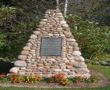 Showing the Gordon memorial cairn; Province of PEI, Charlotte Stewart, 2007