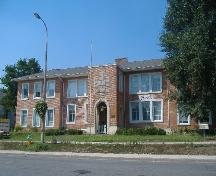 Front view of Robertson Public School; Photograph by Callie Hemsworth, 2007.