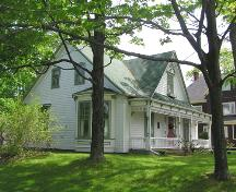 J.L. Doggett House, side elevation, 2004; Heritage Division, NS Dept. of Tourism, Culture and Heritage