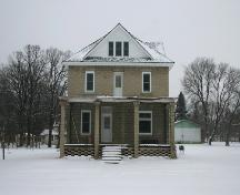 Primary elevation, from the south, of the Presbyterian Church Manse, Emerson, 2006; Historic Resources Branch, Manitoba Culture, Heritage, Tourism and Sport, 2006