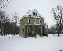 Contextual view, from the southwest, of the Presbyterian Church Manse, Emerson, 2006; Historic Resources Branch, Manitoba Culture, Heritage, Tourism and Sport, 2006