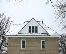 Detail view of the concrete block walls and roof of the Presbyterian Church Manse, Emerson, 2006; Historic Resources Branch, Manitoba Culture, Heritage, Tourism and Sport, 2006