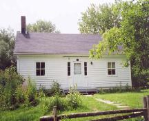 Bethune –Thompson Workers' Cottage, showing symmetrical north elevation, July 2004; OHT, 2006
