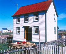 View of front facade of the Dwyer House in Tilting, Fogo Island, NL; HFNL/Robert Mellin 2005