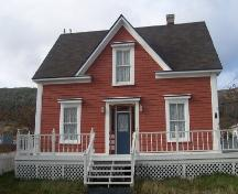 Exterior view of front facade, John William Roberts House, Woody Point, NL.; 2005 Heritage Foundation of Newfoundland and Labrador