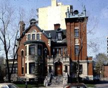 Queen Anne Revival mansion built 1909 for Ottawa's wealthiest lumber baron; City of Ottawa 2005