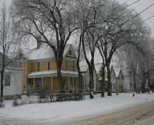 Contextual view, from the southwest, of the Gabrielle Roy House, Winnipeg, 2005; Historic Resources Branch, Manitoba Culture, Heritage, Tourism and Sport, 2005
