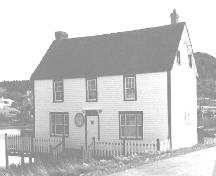 View of front facade of Monks House, King's Cove, NL.; Heritage Foundation of Newfoundland and Labrador 2005