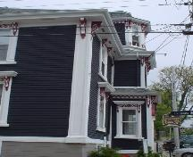 Zwicker House, Old Town Lunenburg, front façade, 2004; Heritage Division, Nova Scotia Department of Tourism, Culture and Heritage, 2004
