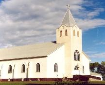 Northwest view of St. Bernard's Roman Catholic Church, 2004.; Government of Saskatchewan, Winkel, 2004.