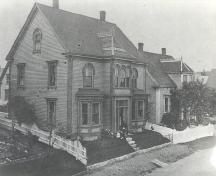 Daniel Rudolf House, Old Town Lunenburg, ca. 1880; Knickle's Studio & Gallery
