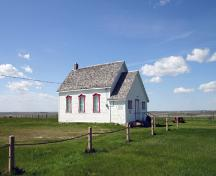 Primary elevations, from the southeast, of Star Mound School, Snowflake area, 2006; Historic Resources Branch, Manitoba Culture, Heritage, Tourism and Sport, 2006