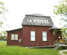 East elevation of the La Rivière Canadian Pacific Railway Stations, La Rivière area, 2006; Historic Resources Branch, Manitoba Culture, Heritage, Tourism and Sport, 2006