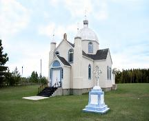 Primary elevations, from the southwest, of the New St. Elias Ukrainian Orthodox Church, Sundown area, 2007; Historic Resources Branch, Manitoba Culture, Heritage, Tourism and Sport, 2007