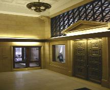 Interior view of the lobby of the Royal Bank of Canada Building, Winnipeg, 2006; Historic Resources Branch, Manitoba Culture, Heritage, Tourism and Sport, 2006