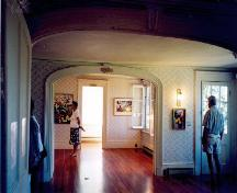 View of the interior of the Joly de Lotbinière Estate, showing the rooms of Agnès Joly de Lotbinière, 2002.; Agence Parcs Canada / Parks Canada Agency, 2002.