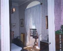 View of the interior of Wilfrid Laurier House, showing the Laurier's bedroom after 1914.; Agence Parcs Canada / Parks Canada Agency, N. Clerk, 1999.
