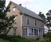 South elevation, Oxner-Zinck House, Chester Basin, Nova Scotia, 2007.; Heritage Division, Nova Scotia Department of Tourism, Culture and Heritage, 2007