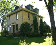 Elevation of the Rodmond Roblin House, Carman area, 2004; Historic Resources Branch, Manitoba Culture, Heritage, Tourism and Sport, 2004