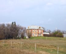 Contextual view of the Shaver House, Killarney area, 2005; Historic Resources Branch, Manitoba Culture, Heritage, Tourism and Sport, 2005